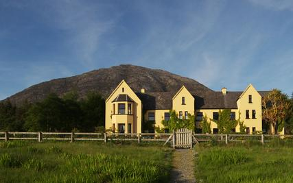 Lough Inagh Lodge Hotel | Connemara | Surrounded by Mountains
